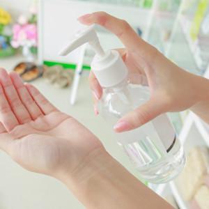 Dezinfekce na ruce, na čištění drobných ran i lehkých zánětů očí