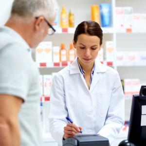 Průzkum ukázal, že 99 % lékárníků zachytí alespoň jednu lékovou chybu měsíčně