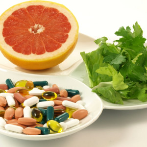 Aby bylinky nevyvolávaly lékové nežádoucí účinky aneb Pozor na interakce mezi bylinami a léky