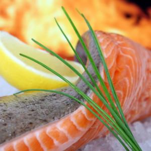 Rybí olej je důležitý zdroj vitamínů pro děti i dospělé. Lze ho čerpat z ryb či doplňků stravy