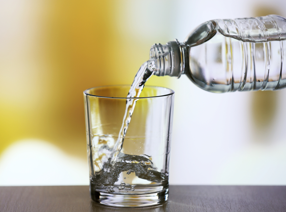 sklenička-s-vodou.jpg