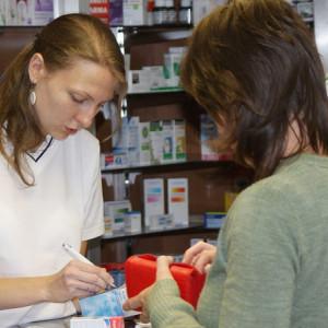 Individuální poradenství v lékárnách: Interakce léků, odvykání kouření nebo snižování hmotnosti
