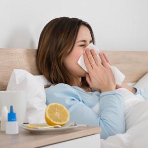 Léčba chřipky: Pomoci může paracetamol i bylinky