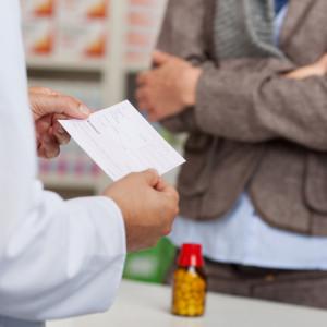 Platnost receptu a poukazu: Jak dlouho můžete s vyzvednutím léků čekat?
