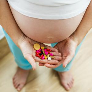 Jak léčit rýmu, kašel nebo střevní chřipku v těhotenství?